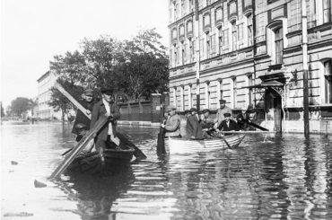 Теперь ты знаешь, что 30 августа 1703 года произошло первое наводнение за историю Петербурга…