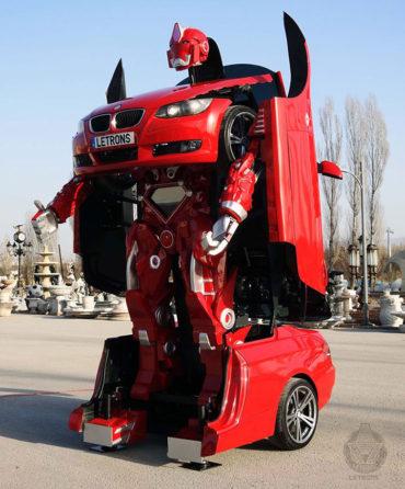 Турецкий инженер создал настоящую машину-трансформер.