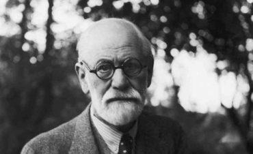Теперь ты знаешь, что 13 октября 1900 года вышла в свет одна из знаковых книг Зигмунда Фрейда «Толкование сновидений».