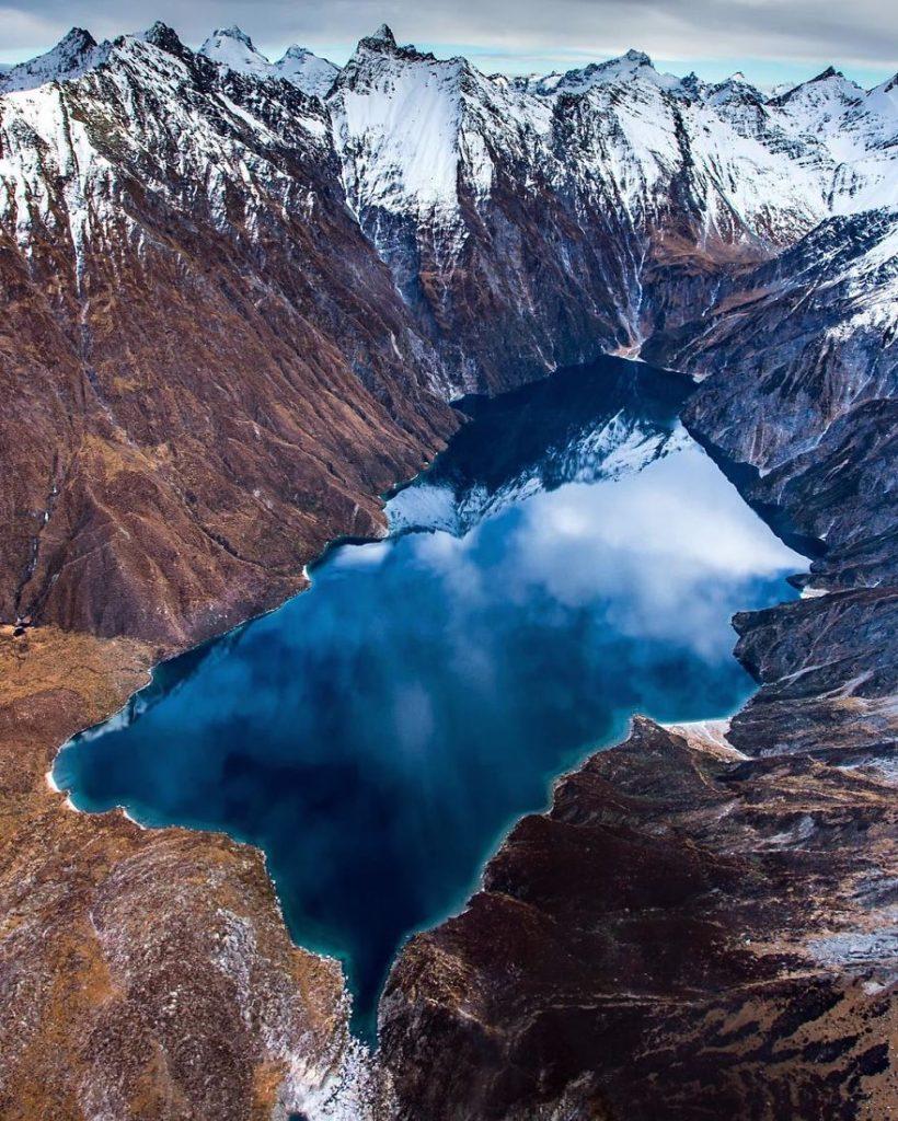Озеро Лохнагар в Новой Зеландии