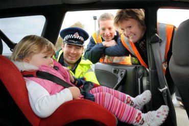 Правила перевозки детей в автомобилях снова ужесточатся