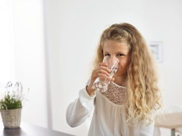 Жара в городе: какой водой лучше утолять жажду ?