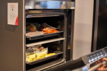 Hoover KEEPHEAT: духовой шкаф с системой горячего хранения пищи был представлен на Eurocucina 2018