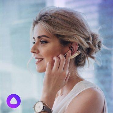 Xperia Ear Duo – первое носимое устройство, поддерживающее работу  голосового ассистента Алиса