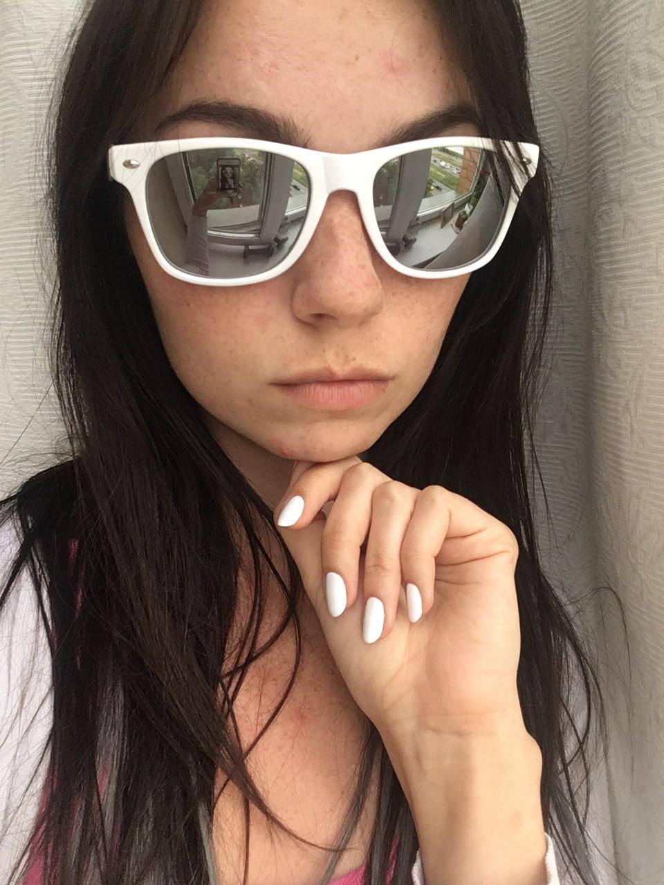 белые очки
