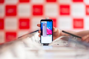 На российском рынке стартуют продажи смартфонов Hisense