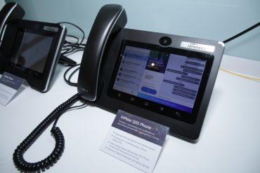 Предсерийный образец первого в России «квантового» телефона ViPNet QSS Phone