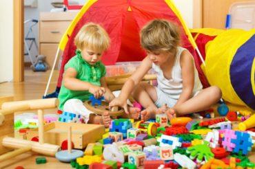 Почему ребенку не нужно много игрушек