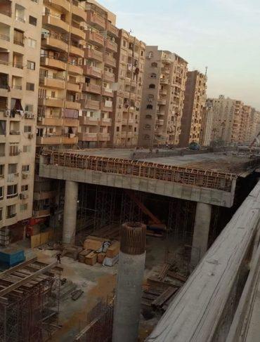 Правительство Египта приняло решение построить шоссе в центре жилого района