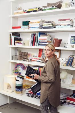 Швейцарский бренд LAUFEN проведет прямой эфир с известным зарубежным дизайнером Патрисией Уркиолой